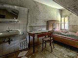 Abandoned Hostel Escape